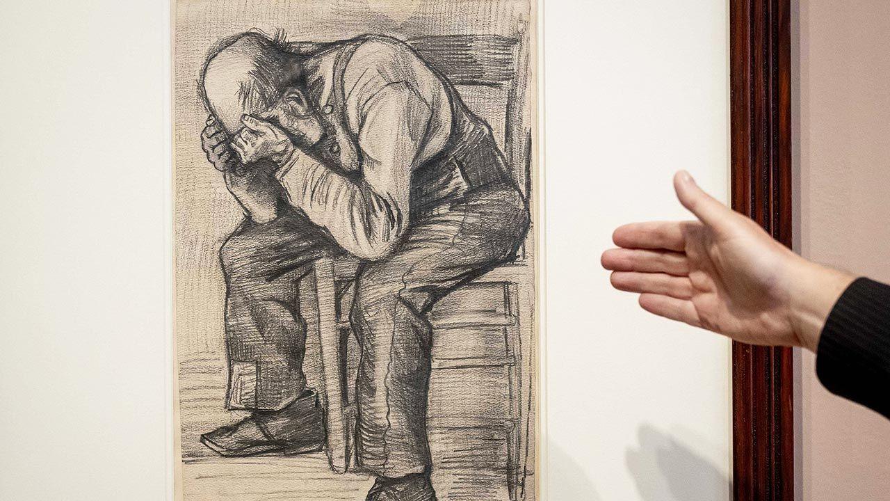 Mężczyzna, którego przedstawia rysunek, był ulubionym modelem artysty (fot.  PAP/EPA/KOEN VAN WEEL)