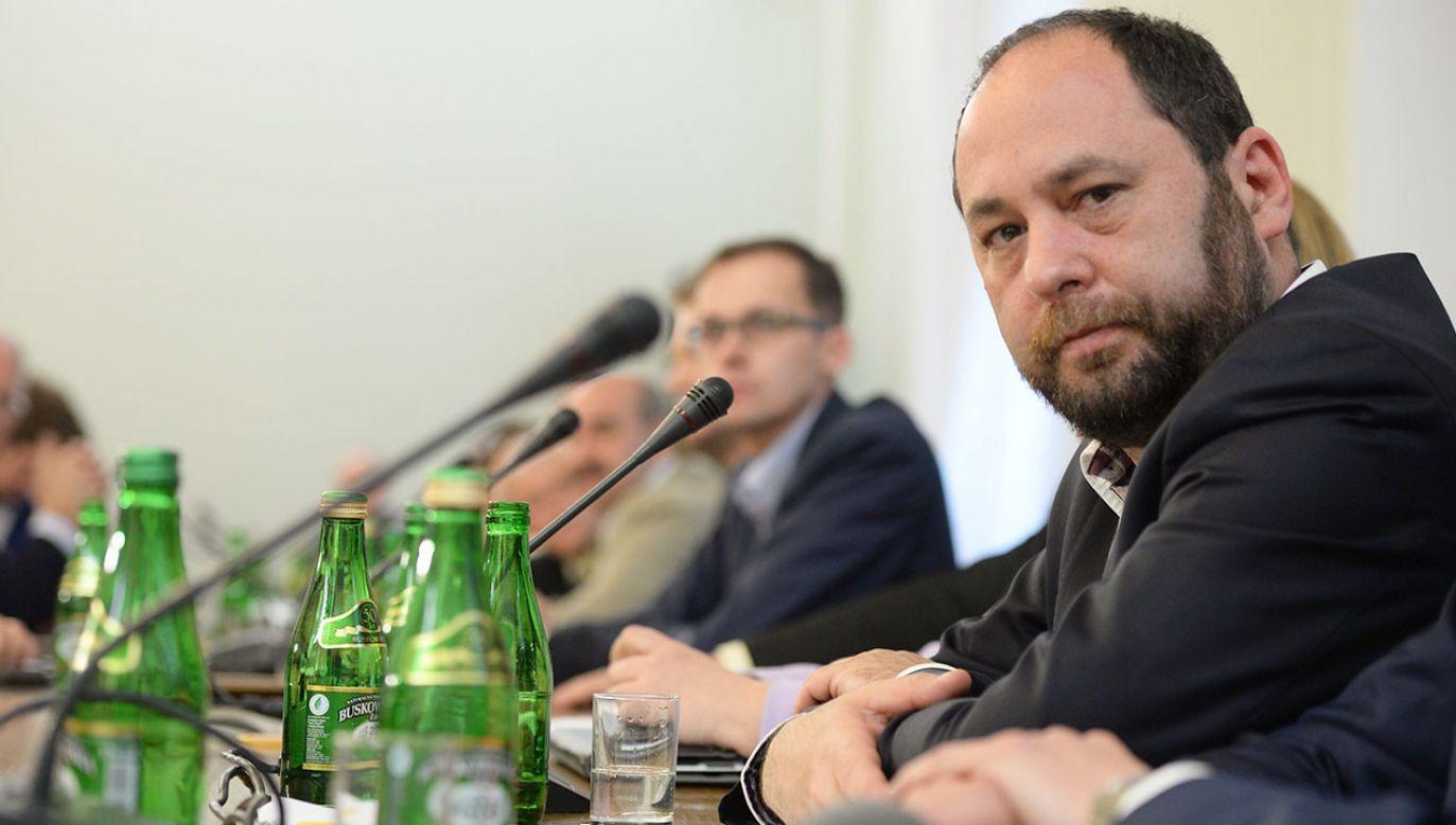 """Profesor UJ nazwał wyborców PiS """"psychopatami"""" i """"ograniczonymi umysłowo prymitywami"""" (fot. arch.PAP/Jacek Turczyk)"""