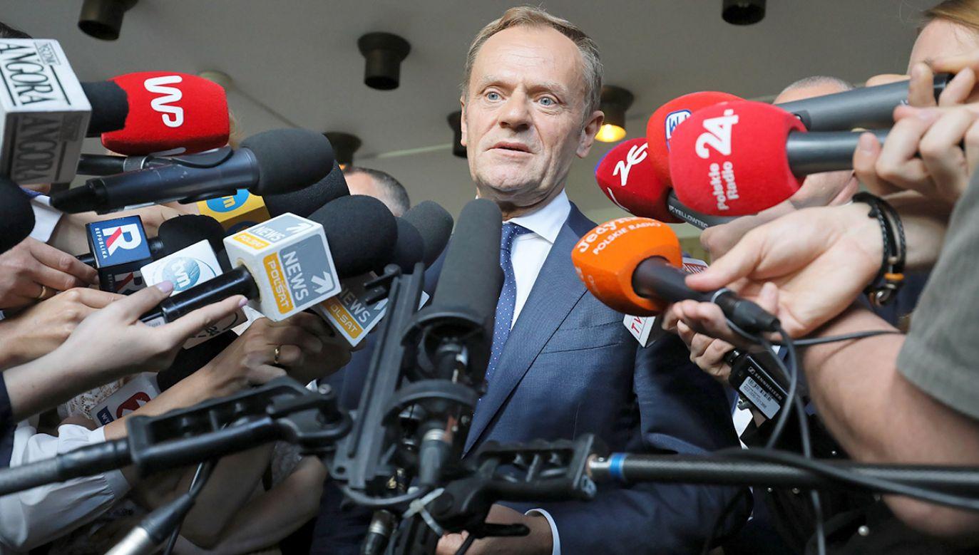 Polacy są podzieleni w ocenie byłego premiera, ale Donalda Tuska znamy wszyscy (fot. PAP/Paweł Supernak)