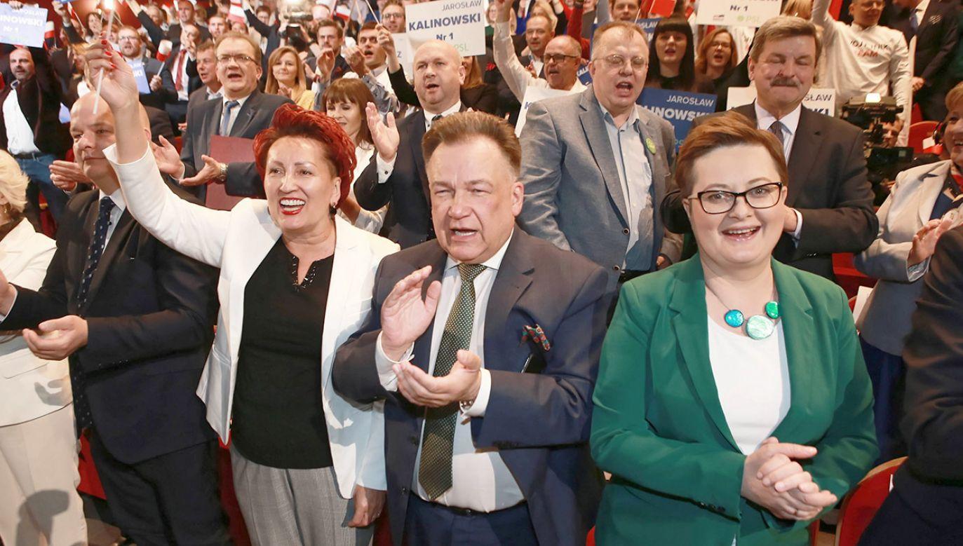 """""""Tylko koalicja PO-PSL może przeciwstawić się PiS"""" (fot. arch.PAP/Piotr Augustyniak)"""