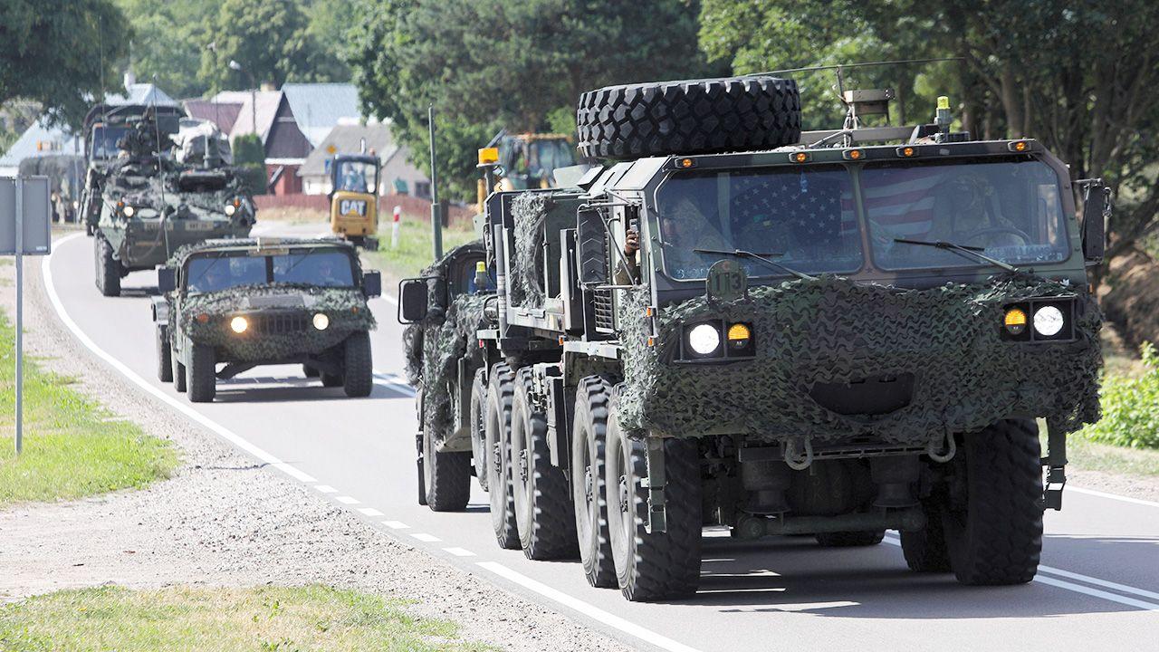 U.S. Army w drodze do granicy polsko-litewskiej (fot. PAP/Artur Reszko)