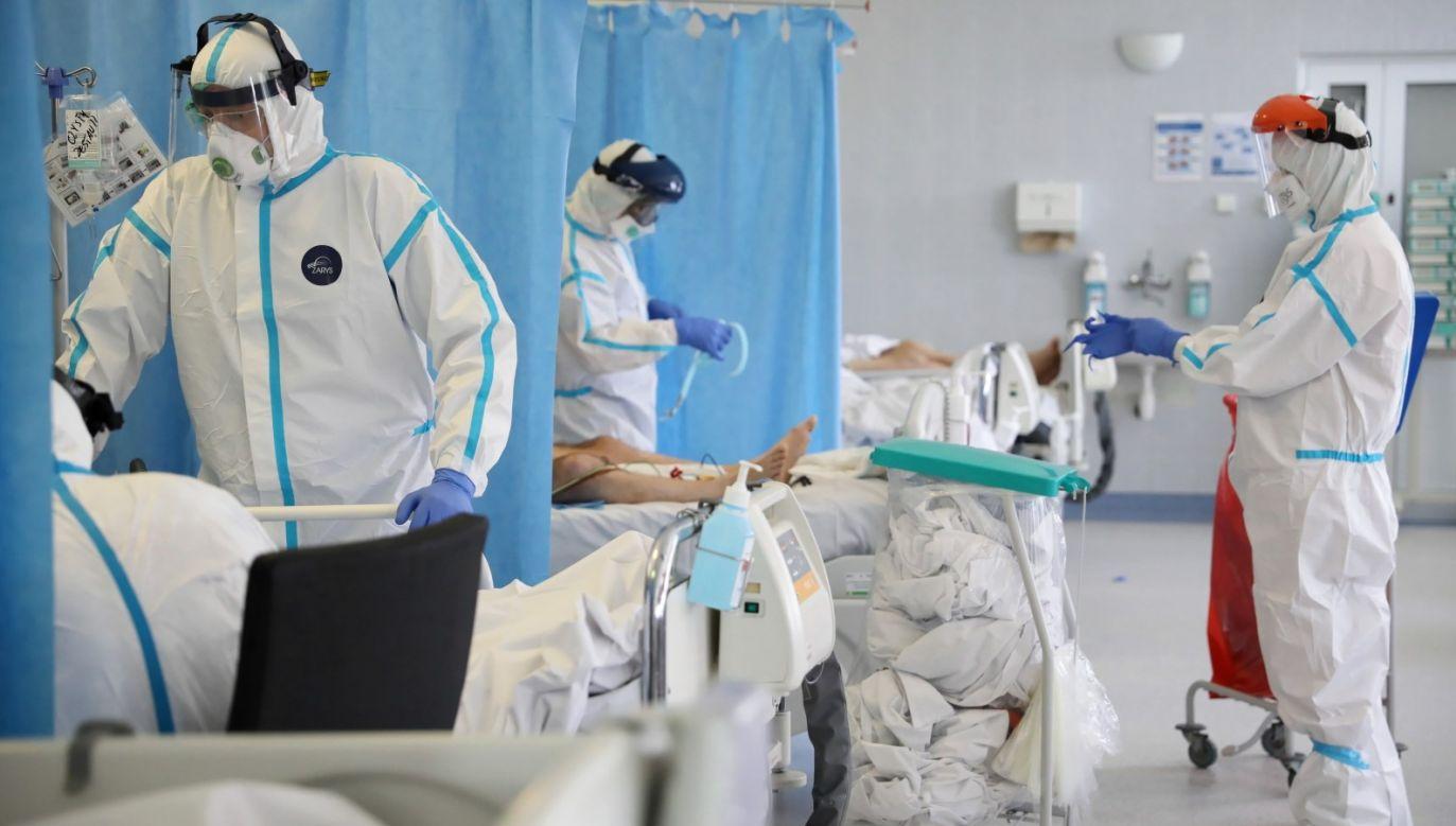 Potwierdzono też nowe zakażenia koronawirusem (fot. PAP/Leszek Szymański)