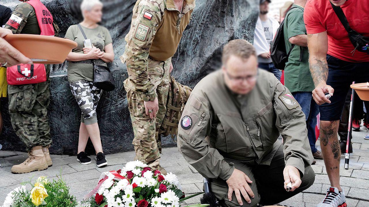 MON chce zakazać noszenia mundurów wojskowych przez uczestników zgromadzeń (fot. PAP/Andrzej Grygiel)