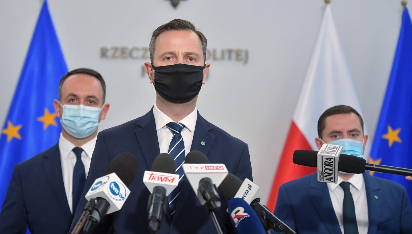 Koronawirus w Polsce. Parlamentarzyści decydują ws. nowych przepisów (fot. PAP/Marcin Obara)