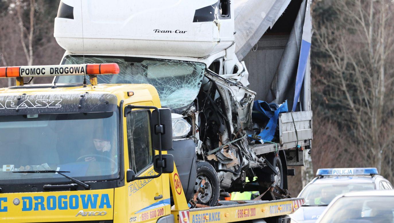 Na skrzyżowaniu dochodzi do wielu wypadków (fot. PAP/Grzegorz Momot/zdjęcie ilustracyjne)