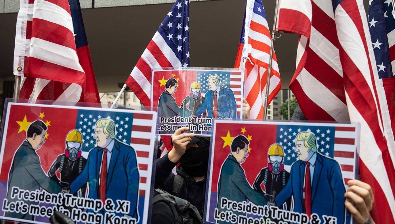 Chiny prowadzą coraz agresywniejszą politykę zagraniczną i dążą do rozbicia Zachodu (fot. Kyle Lam/Bloomberg via Getty Images)