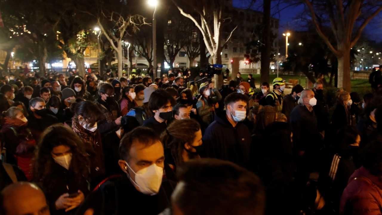 Protest w Barcelonie przebiegł  bez większych incydentów  (fot. PAP/EPA/MARTA PEREZ)