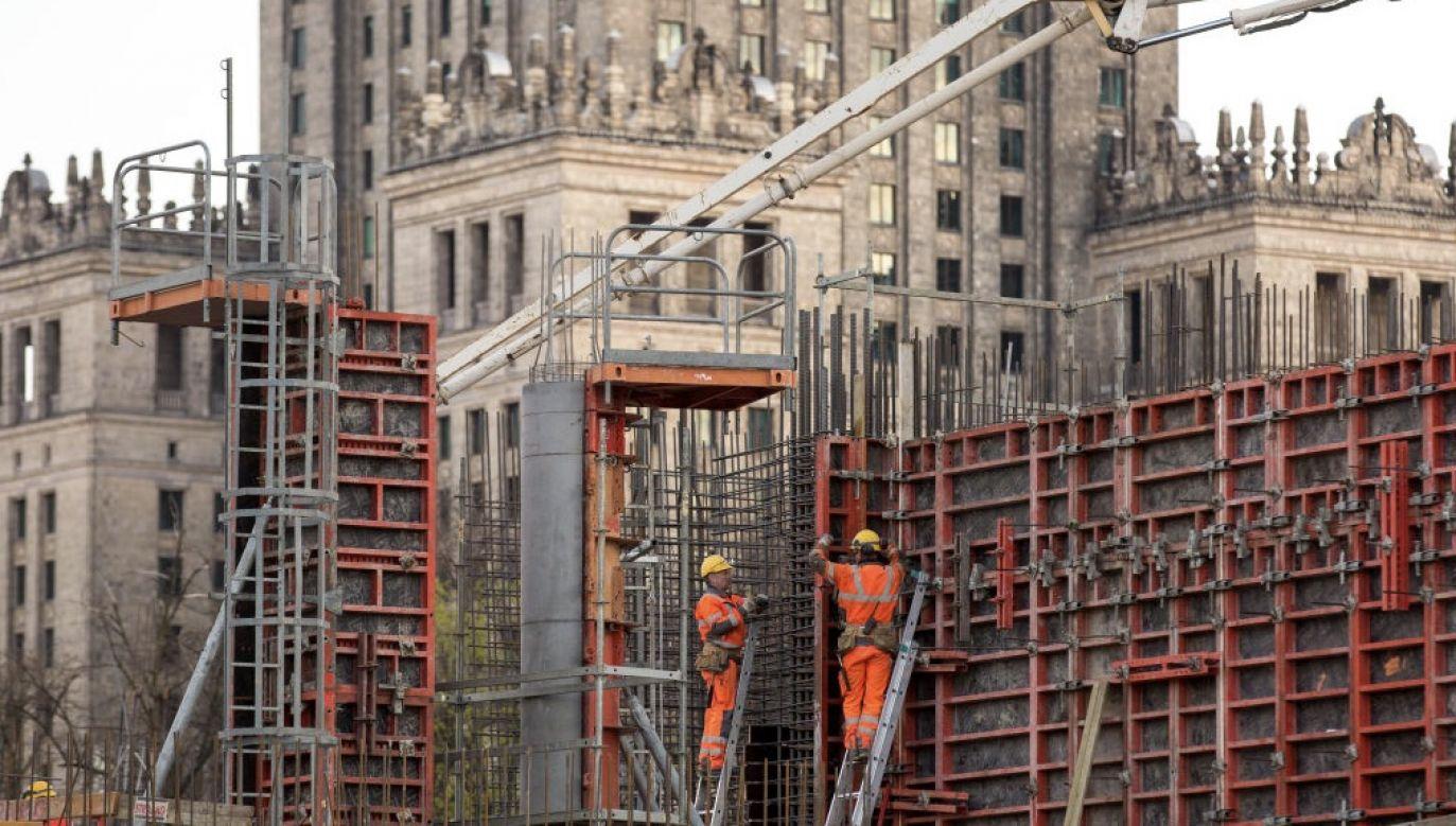 Ekspert nie spodziewa się znacznego pogorszenia prognoz dotyczących PKB (fot. Karol Serewis/SOPA Images/LightRocket via Getty Images, zdjęcie ilustracyjne)