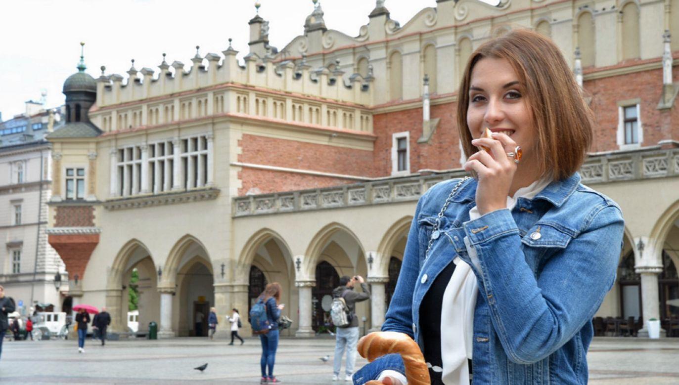 O polskiej kuchni opowiada urodzona w Małopolsce amerykańska aktorka Aleksandra August (fot. TT/FlavorofPoland)