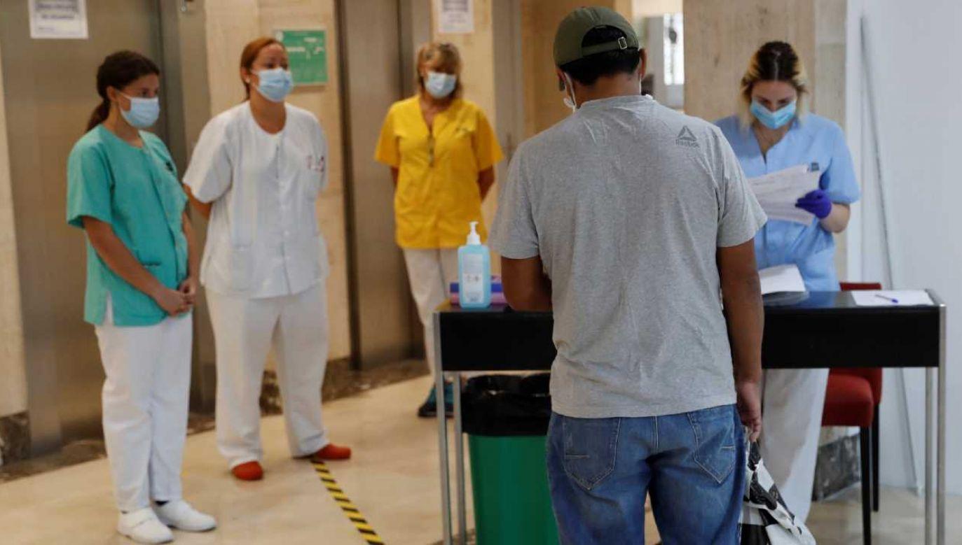 Hiszpania zmaga się z epidemią koronawirusa (fot. PAP/EPA/Zipi)