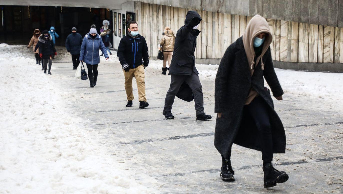 Nowe obostrzenia – co zmieni się w reżimie sanitarnym? (fot. Beata Zawrzel/NurPhoto/Getty Images)