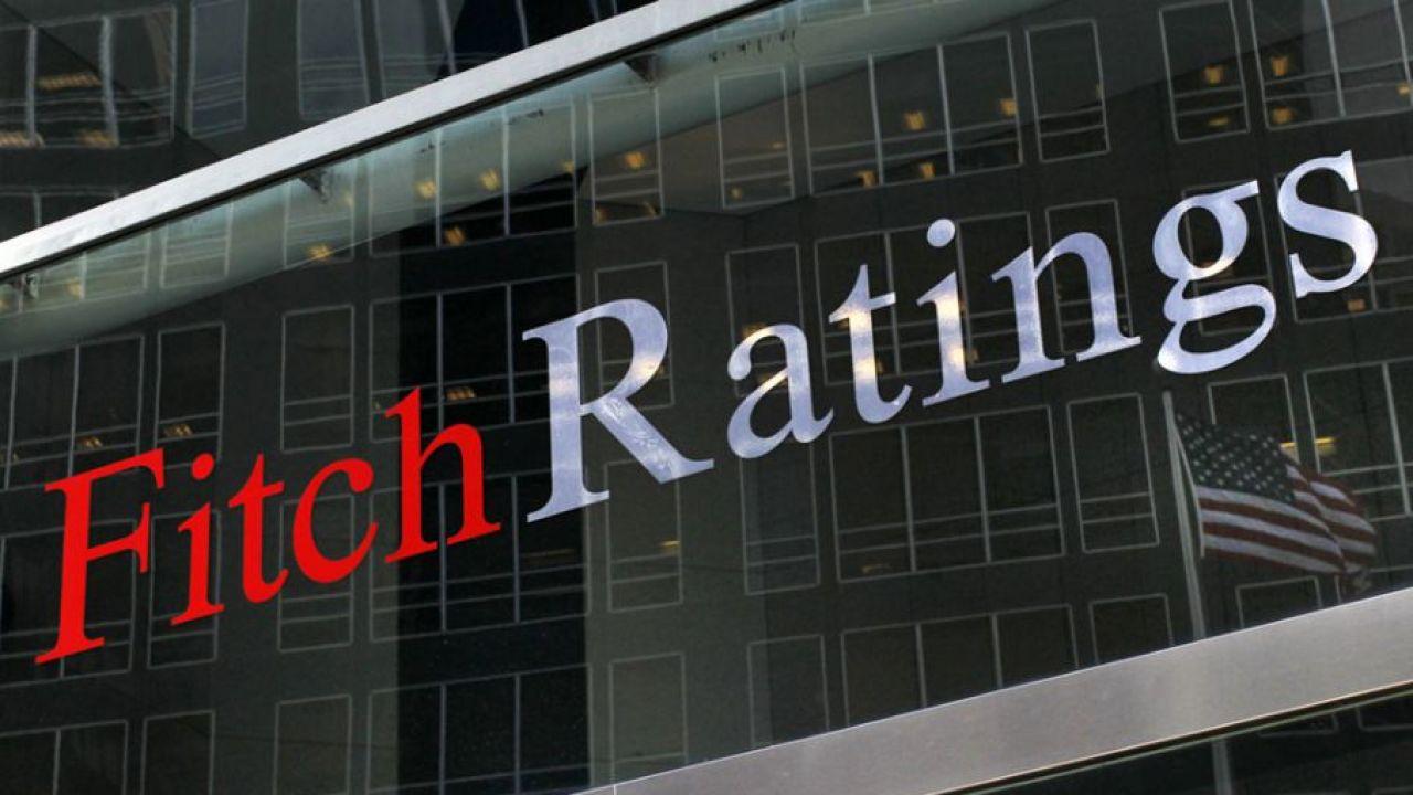 """Agencja Fitch utrzymała w piątek rating Polski na poziomie """"A–"""" (fot. REUTERS/Brendan McDermid)"""