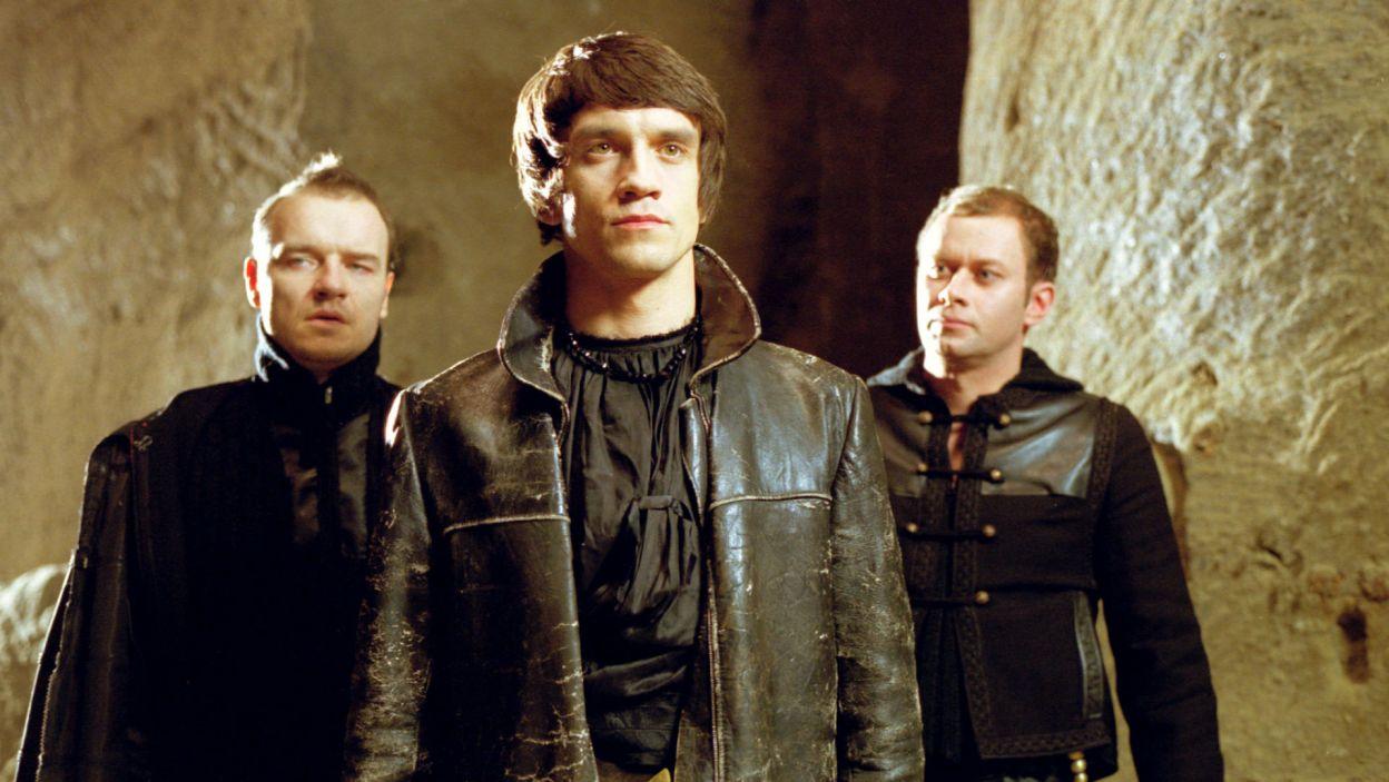 Michał Czernecki zagrał Hamleta w spektaklu Łukasza Barczyka, zrealizowanym w 2003 roku (fot. TVP)