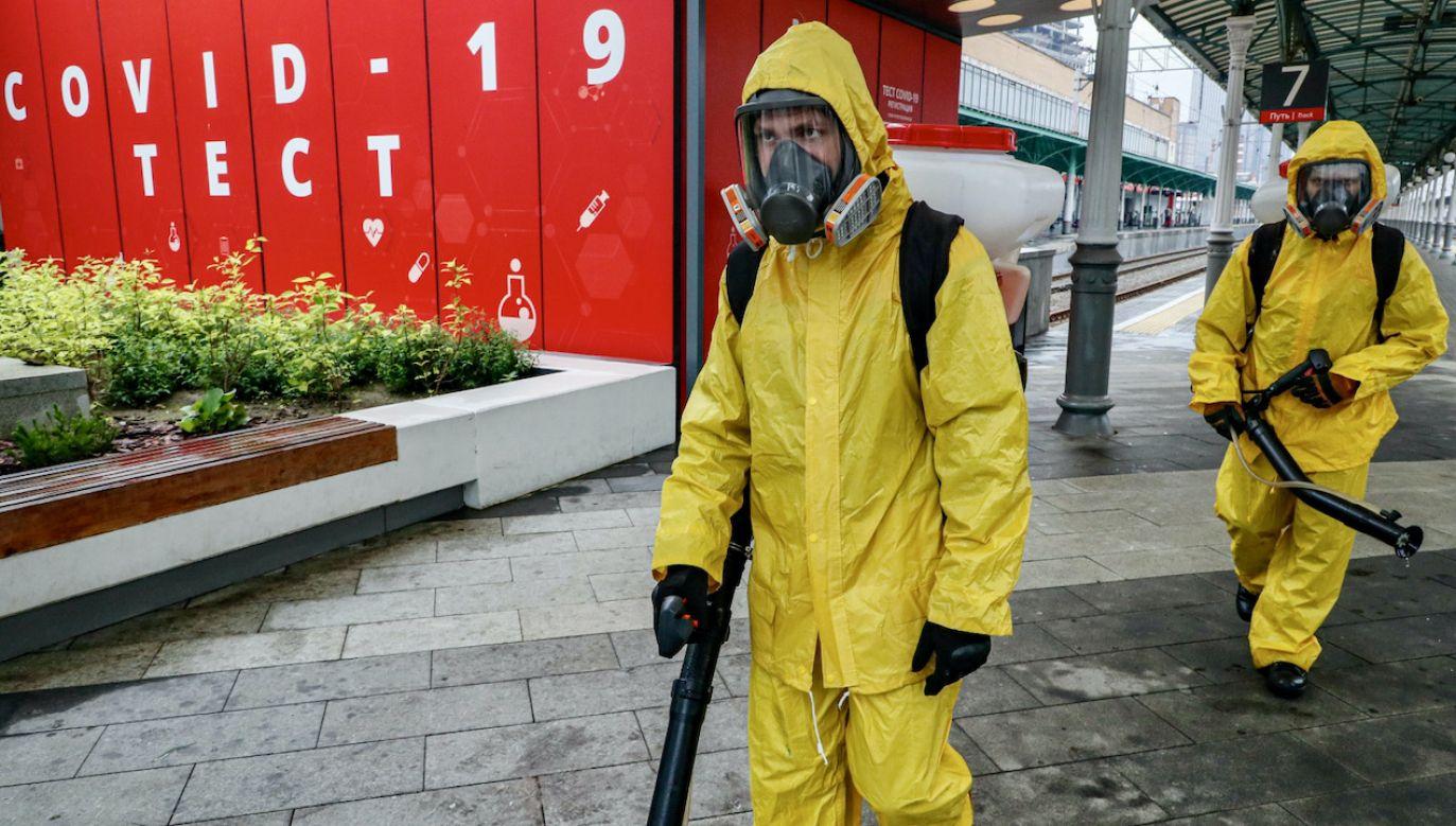 W czerwcu lub lipcu Moskwa spodziewa się szczytu zachorowań (fot. PAP/EPA/SERGEI ILNITSKY)