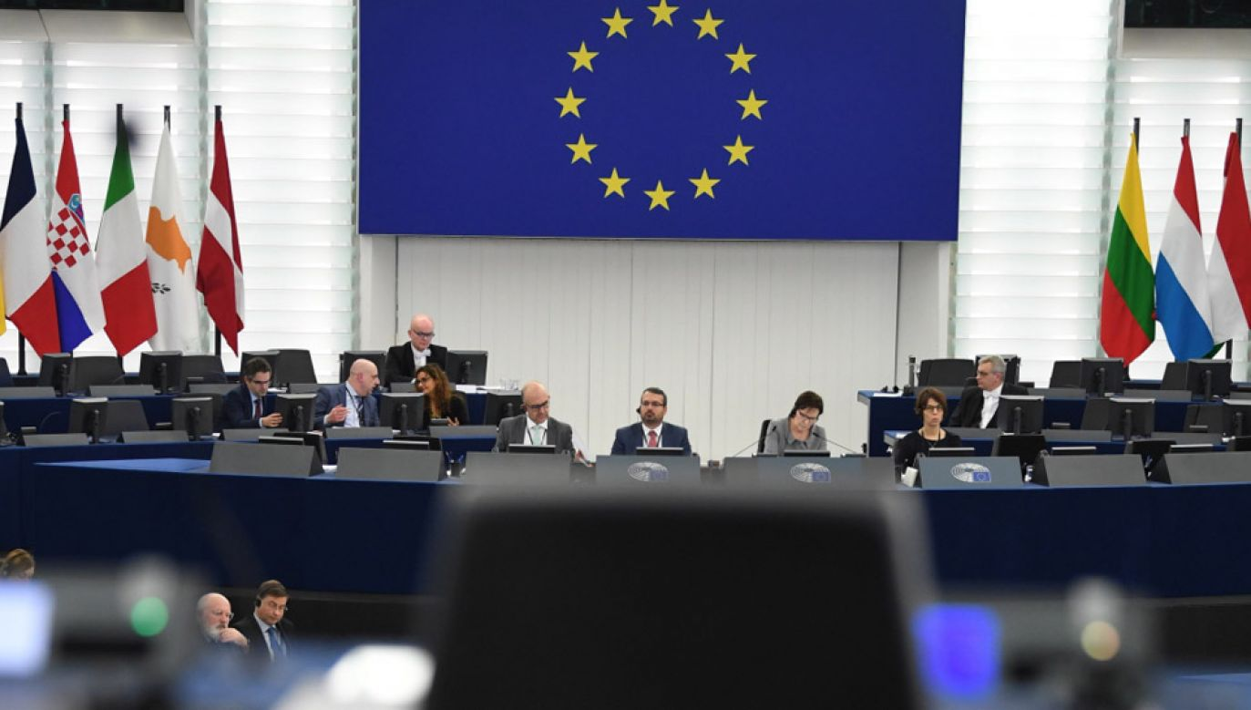 W rezolucji PE napisano, że sytuacja w Polsce pogorszyła się od czasu uruchomienia procedury art. 7 (fot. PAP/EPA/PATRICK SEEGER)