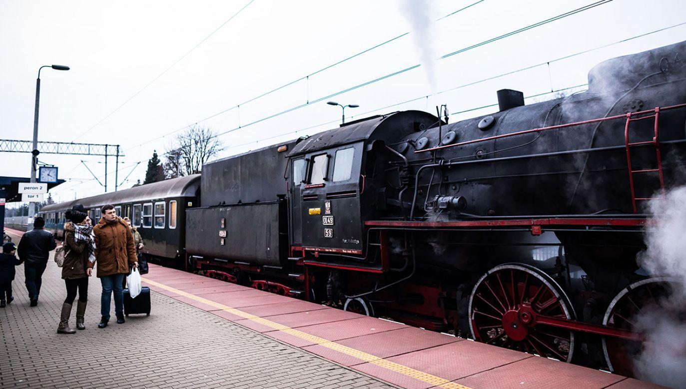 W Wolsztynie działa jedyna na świecie lokomotywownia wydająca parowozy do regularnego, codziennego ruchu (fot. PAP/Marek Zakrzewski)