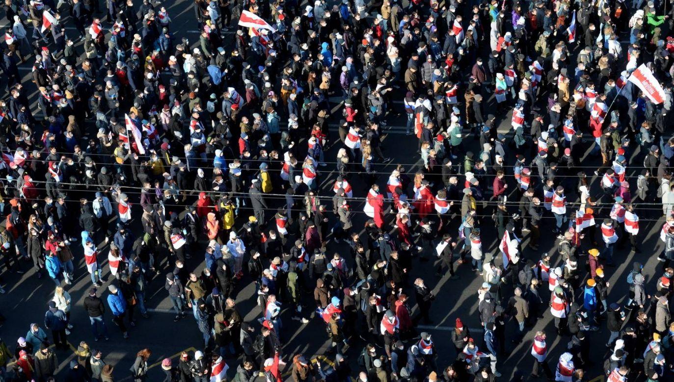 Demonstrujący domagali się dymisji prezydenta Alaksandra Łukaszenki (fot. EPA/STR)