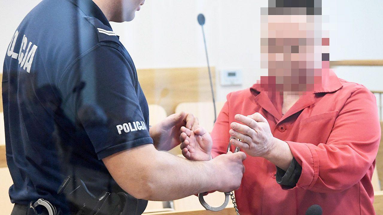 Oskarżony Robert J. (P) podczas rozprawy w Sądzie Okręgowym, 12 bm. w Krakowie (fot. PAP/Jacek Bednarczyk)