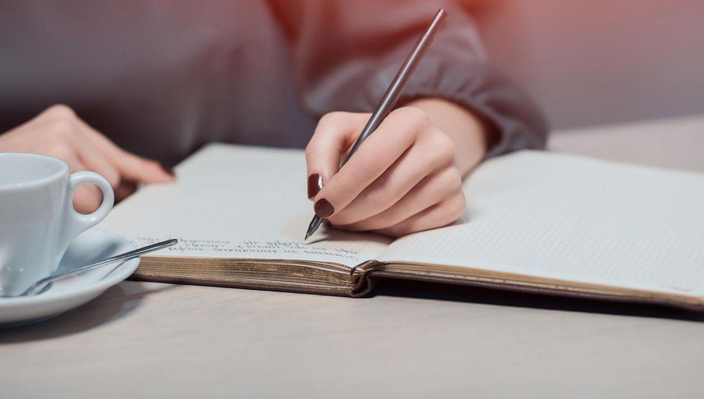 Wiersze mają być publikowane cyklicznie, a następnie zostaną wydane w postaci tomiku (fot. Shutterstock)