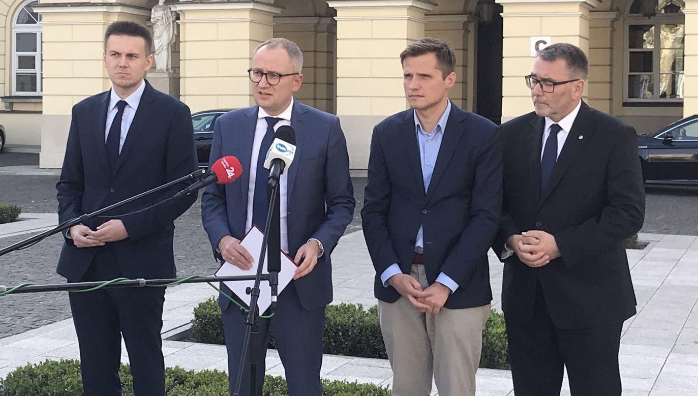 Konferencja PiS po zapowiedziach Rafała Trzaskowskiego. (fot. Twitter/warzawskipis)