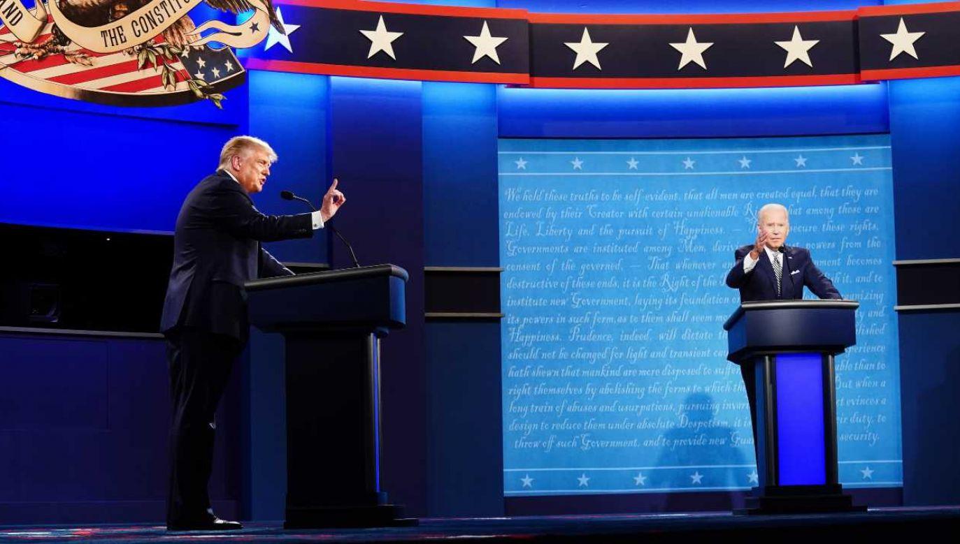 Donald Trump i Joe Biden nie szczędzili sobie ostrych słów (fot. PAP/EPA/JIM LO SCALZO)