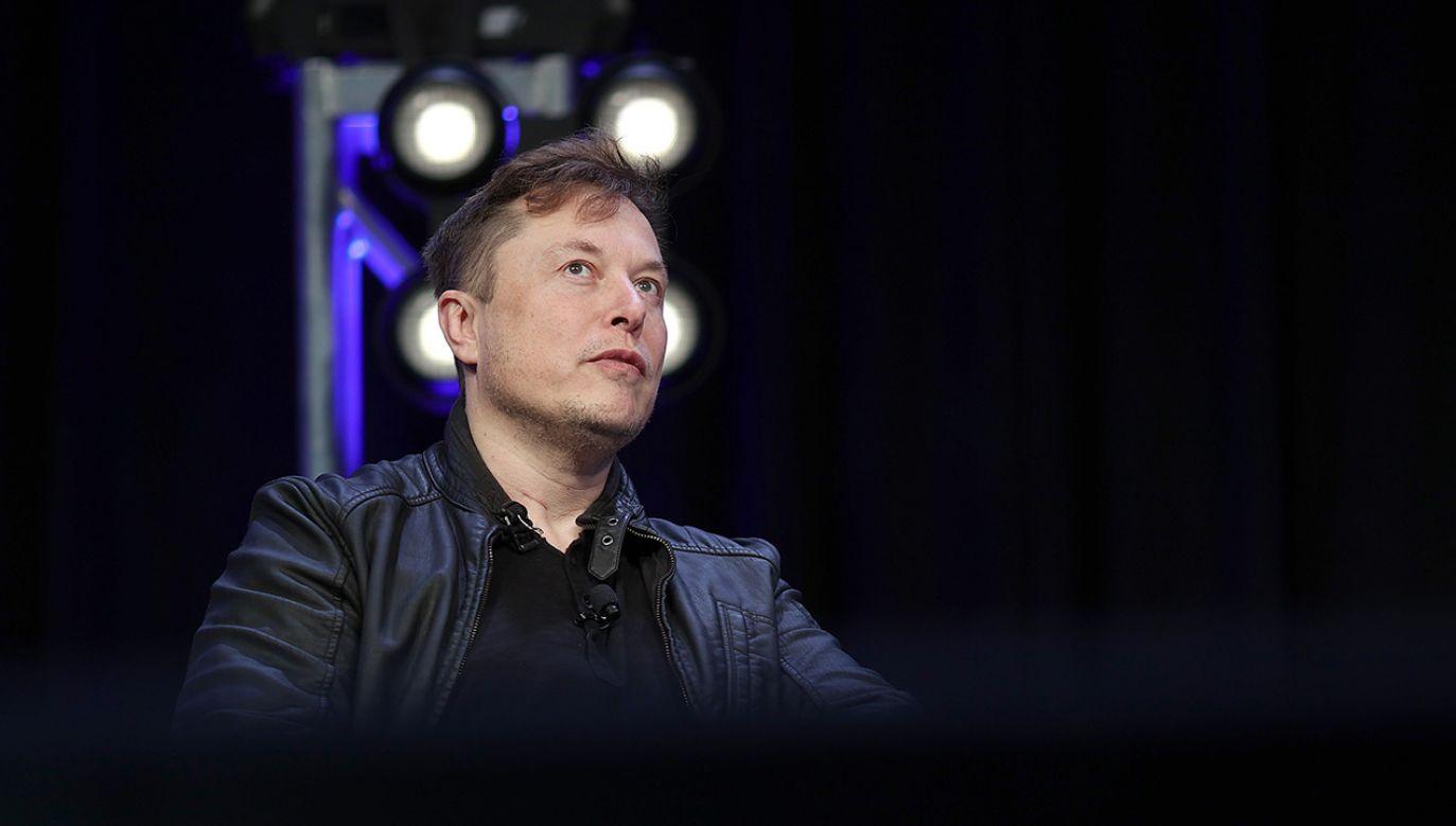 Elon Musk zaliczył wpadkę (fot. Win McNamee/Getty Images)