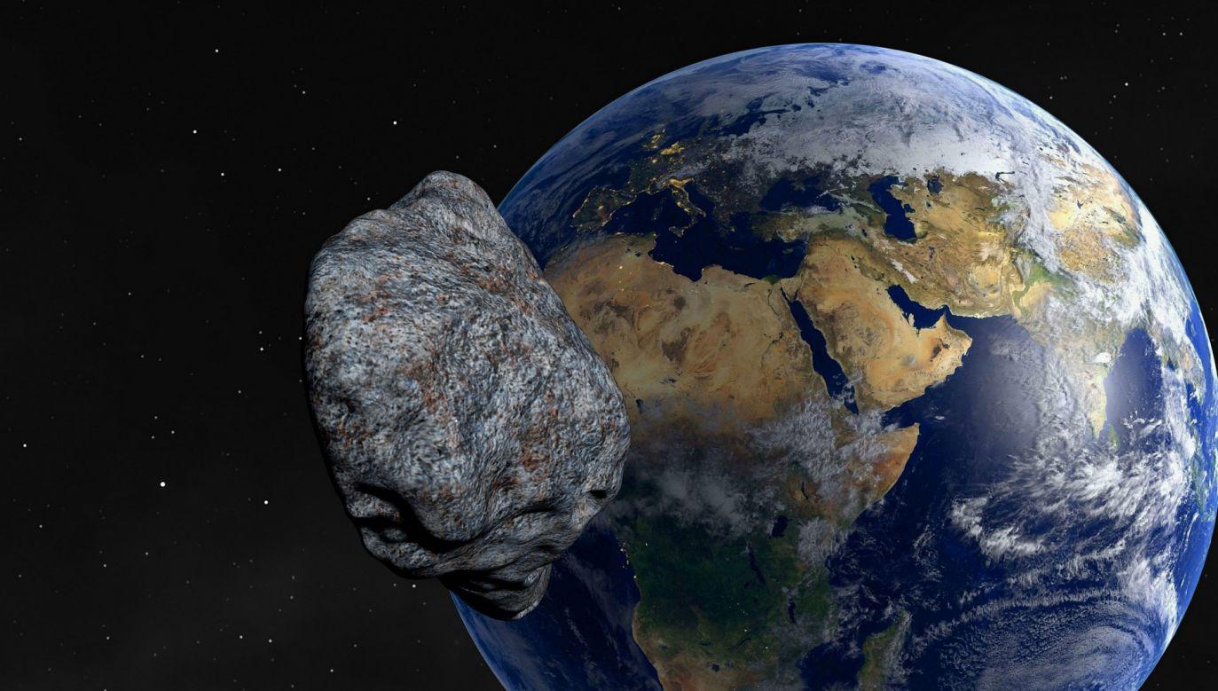 Pod koniec lipca w pobliżu Ziemi przemknęła asteroida 2019 OK. Jej zderzenie z planetą groziłoby kataklizmem (fot. Pixabay/urikyo33)
