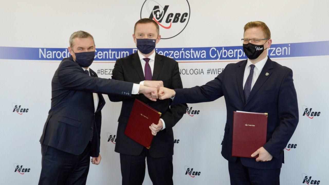MON i PP podpisali porozumienie owspółpracy wzakresie obrony cyberprzestrzeni (fot.TT/PocztaPolska)