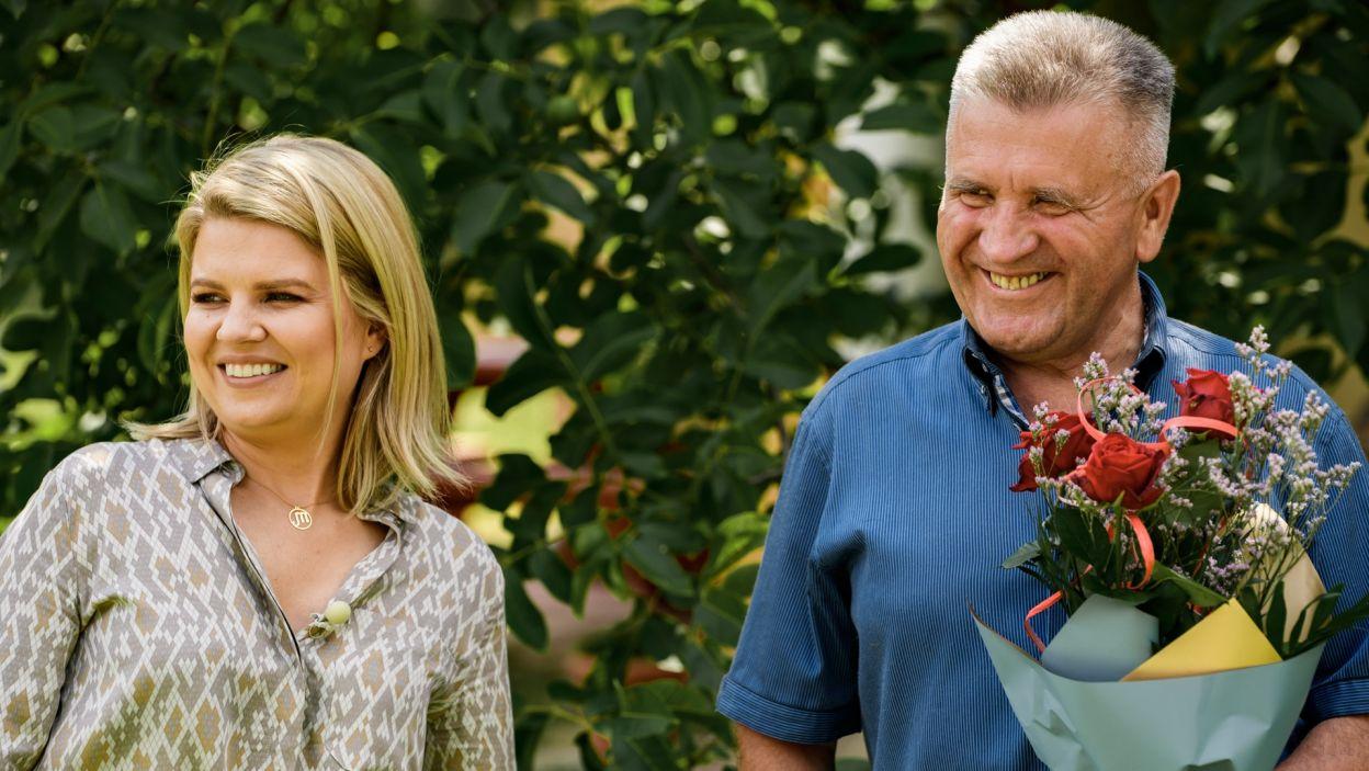 Nie ma żadnej faworytki, każdą z pań przywita uśmiechem i kwiatami (fot. TVP)