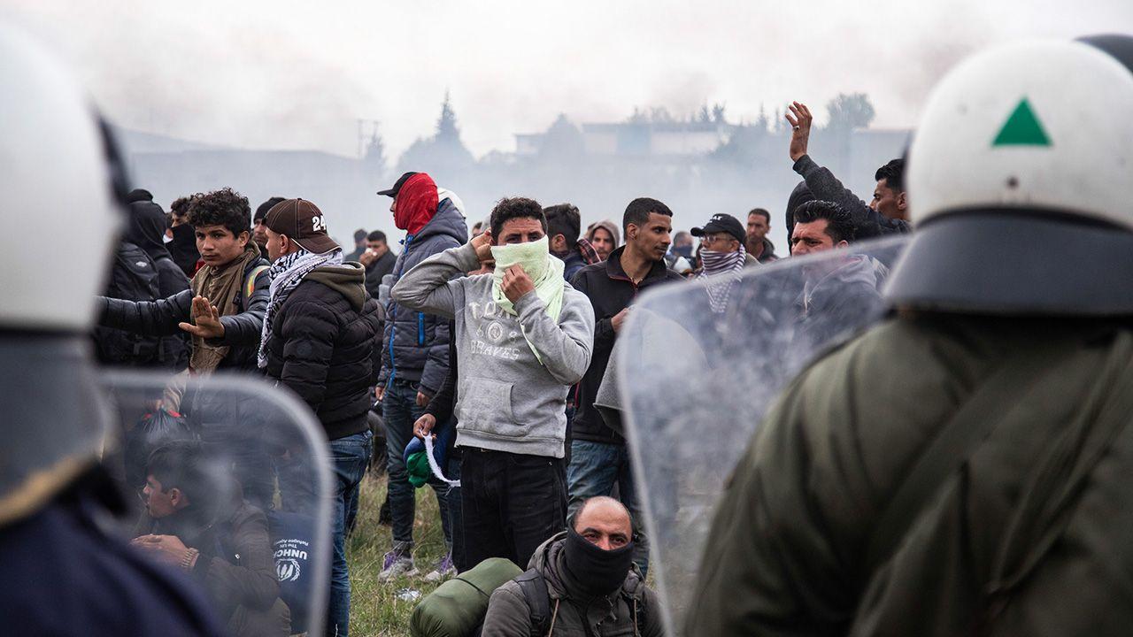 Tylko we wrześniu do Grecji przybyło 12 tys. migrantów (fot. Nicolas Economou/NurPhoto via Getty Images)