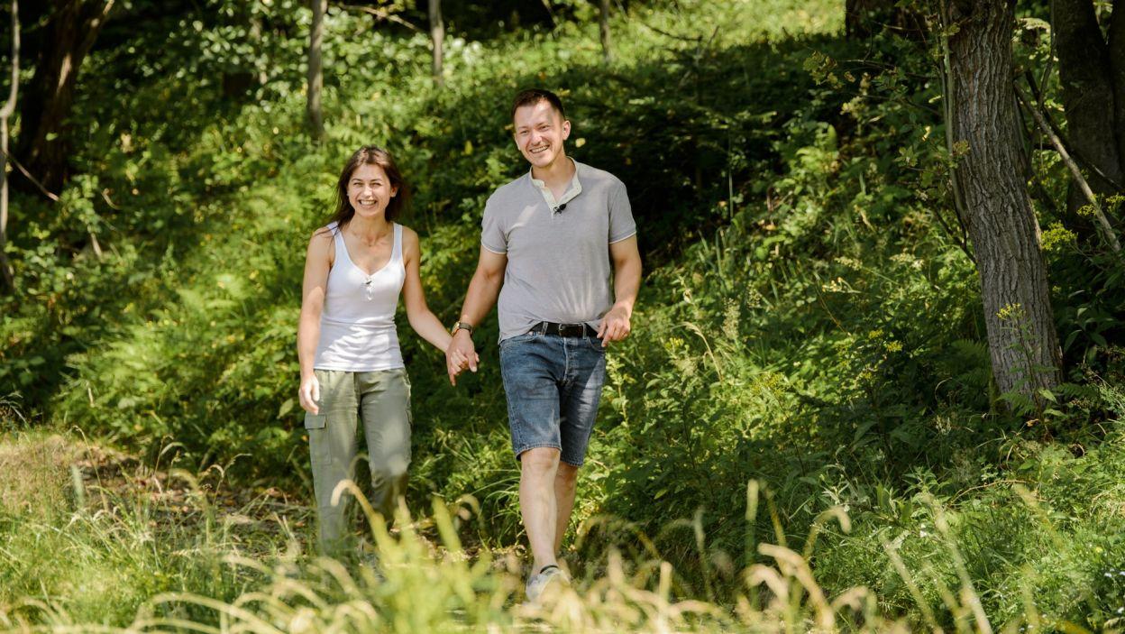 Mimo tego, jest prawdziwym romantykiem, który jednym słowem potrafi niemalże zaczarować Ilonę  (fot. TVP)