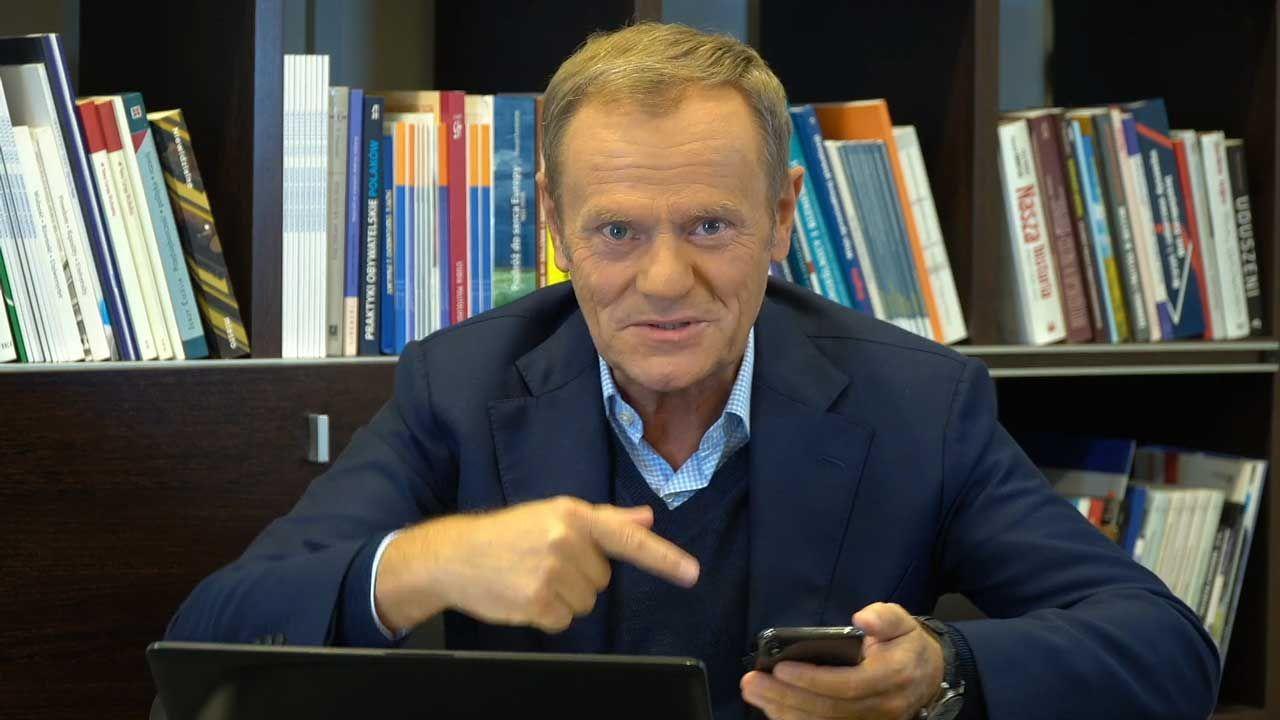 Donald Tusk komentuje urodziny Roberta Mazurka (fot. FB/Platforma Obywatelska)