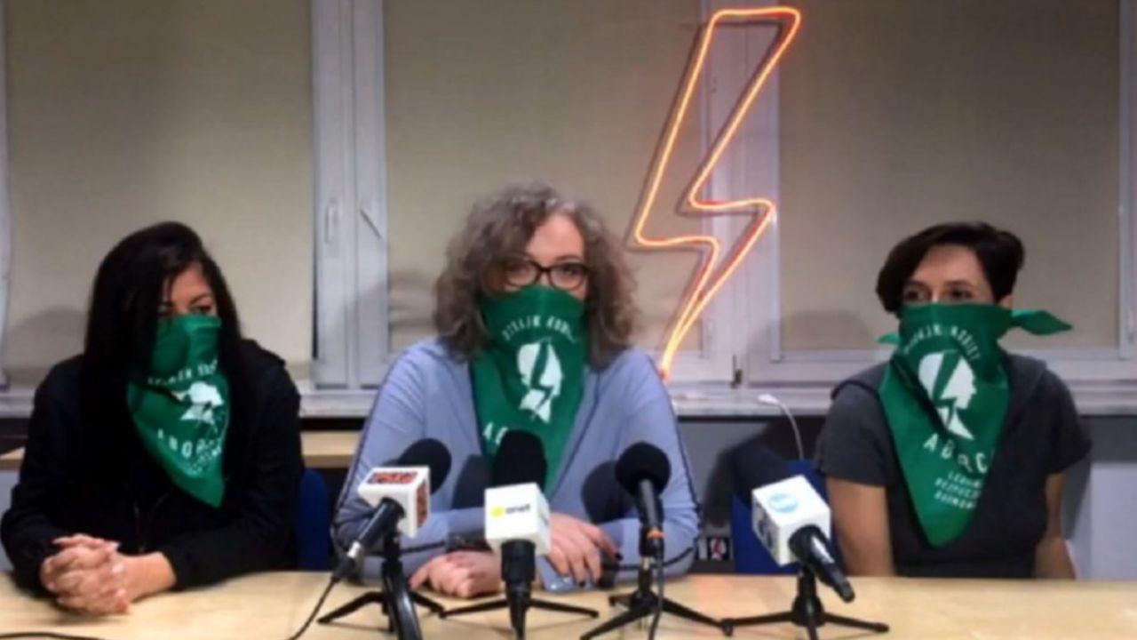 """Strajk Kobiet zamierza """"wybić głupoty z głowy Lewicy"""" (fot. YT)"""