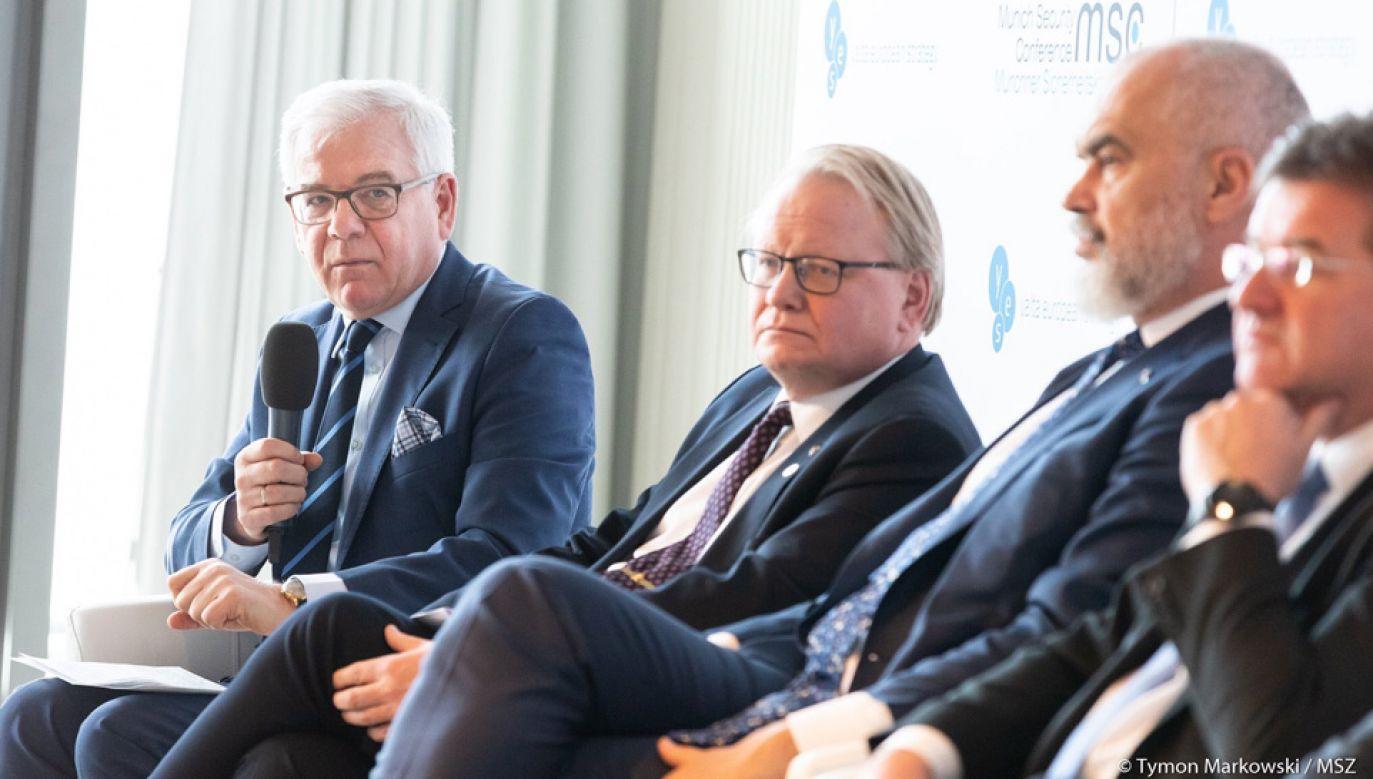Szef MSZ Jacek Czaputowicz opowiada się za utrzymaniem sankcji wobec Rosji (fot. TT/MSZ RP/Tymon Markowski)