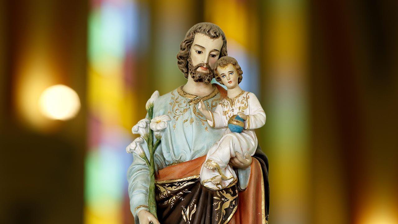 Stolica Apostolska dodała siedem nowych wezwań w Litanii do św. Józefa (fot. Shutterstock/Sidney de Almeida)