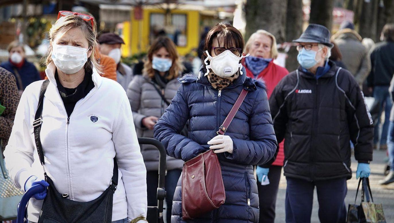 Nowe decyzje rządu w walce z pandemią koronawirusa (fot. Shuttertock/MikeDotta)