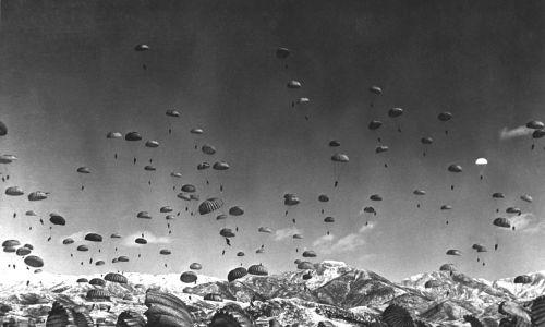 Desant wojsk pod egidą ONZ podczas wojny koreańskiej, 1951 r. Fot. Interim Archives/Getty Images