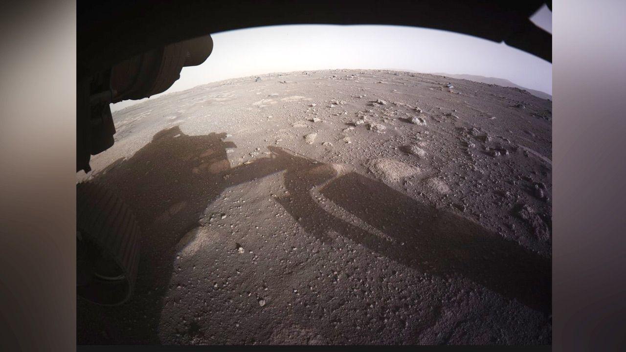 """""""Tyle do odkrycia. Nie mogę się doczekać, kiedy wyruszę w drogę"""" (fot.TT/ NASA's Perseverance Mars Rover)"""