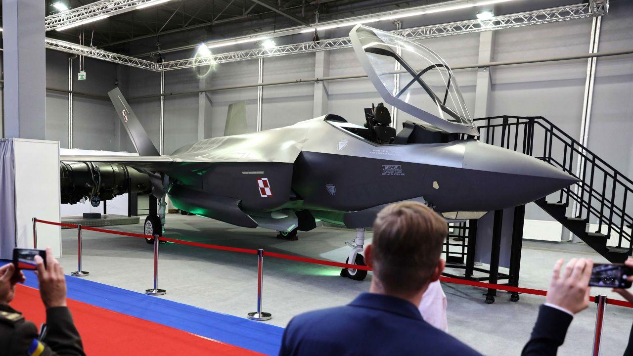 Kwestia kontraktu z USA na myśliwce F-35 jest na pierwszym miejscu listy zakupów w 2020 roku (fot. arch. PAP/Rafał Guz)