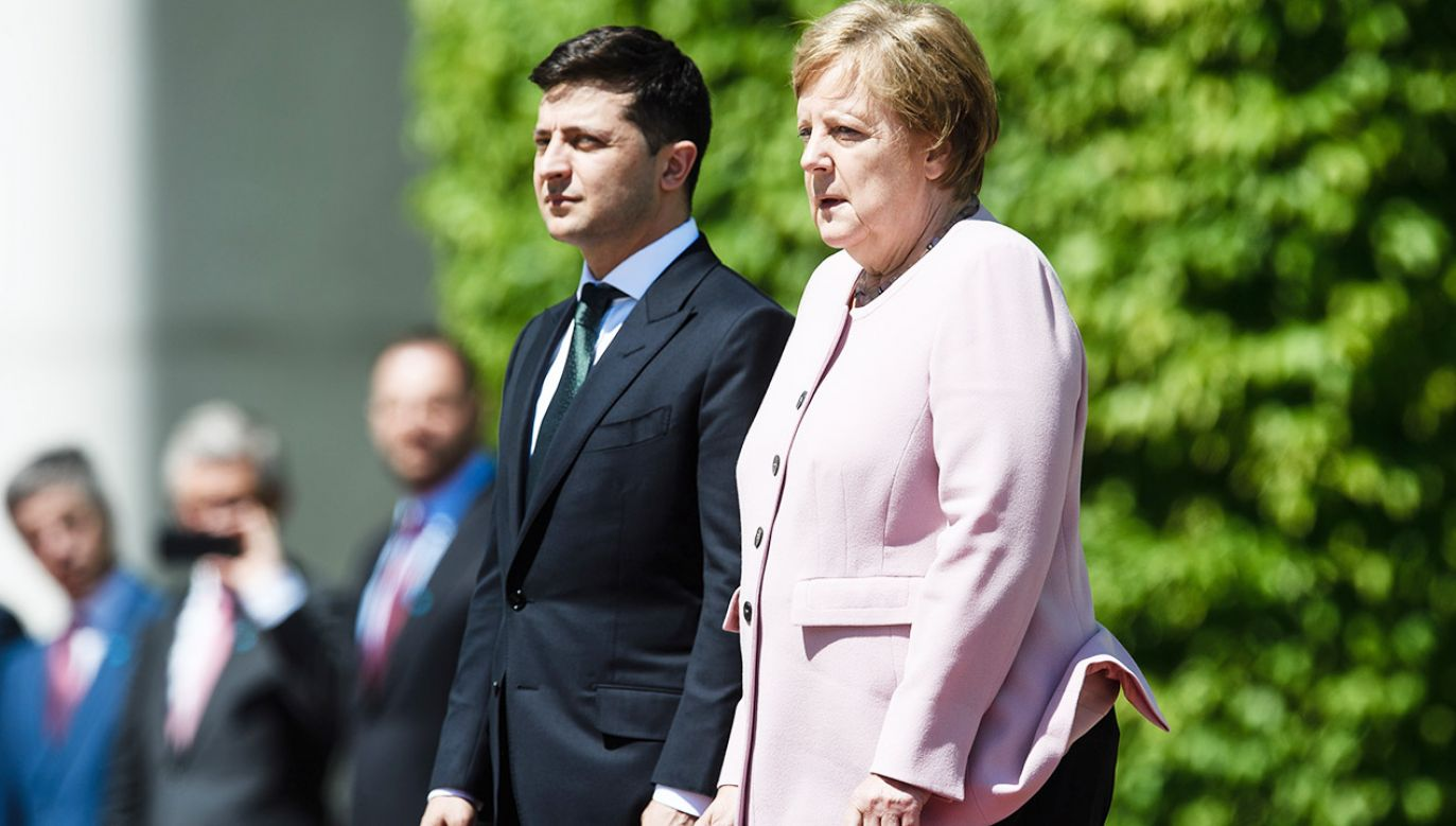 Niemiecka kanclerz nie była w stanie opanować drżenia ciała (fot. PAP/EPA/CLEMENS BILAN)