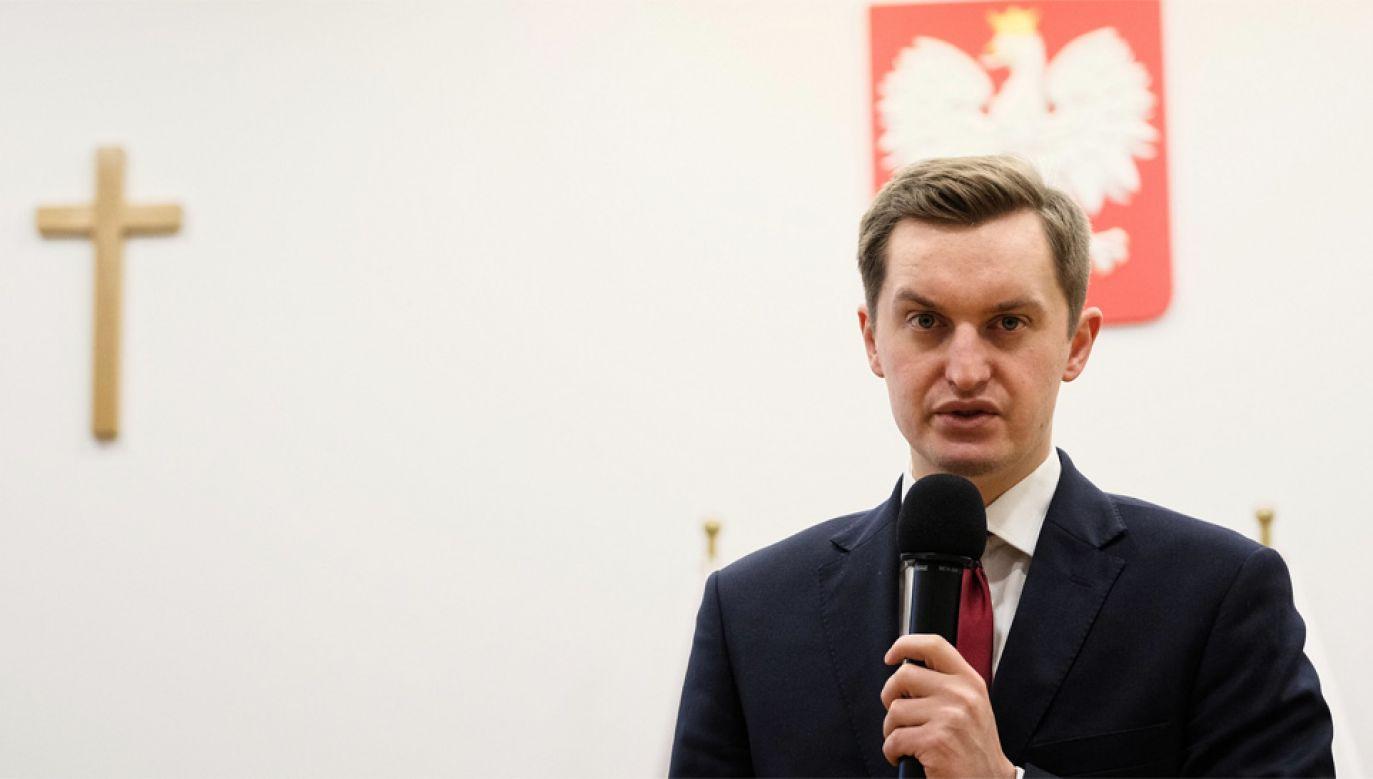 Poseł Sebastian Kaleta zapewnił, że jego asystentowi nic się nie stało (fot. PAP/Mateusz Marek)
