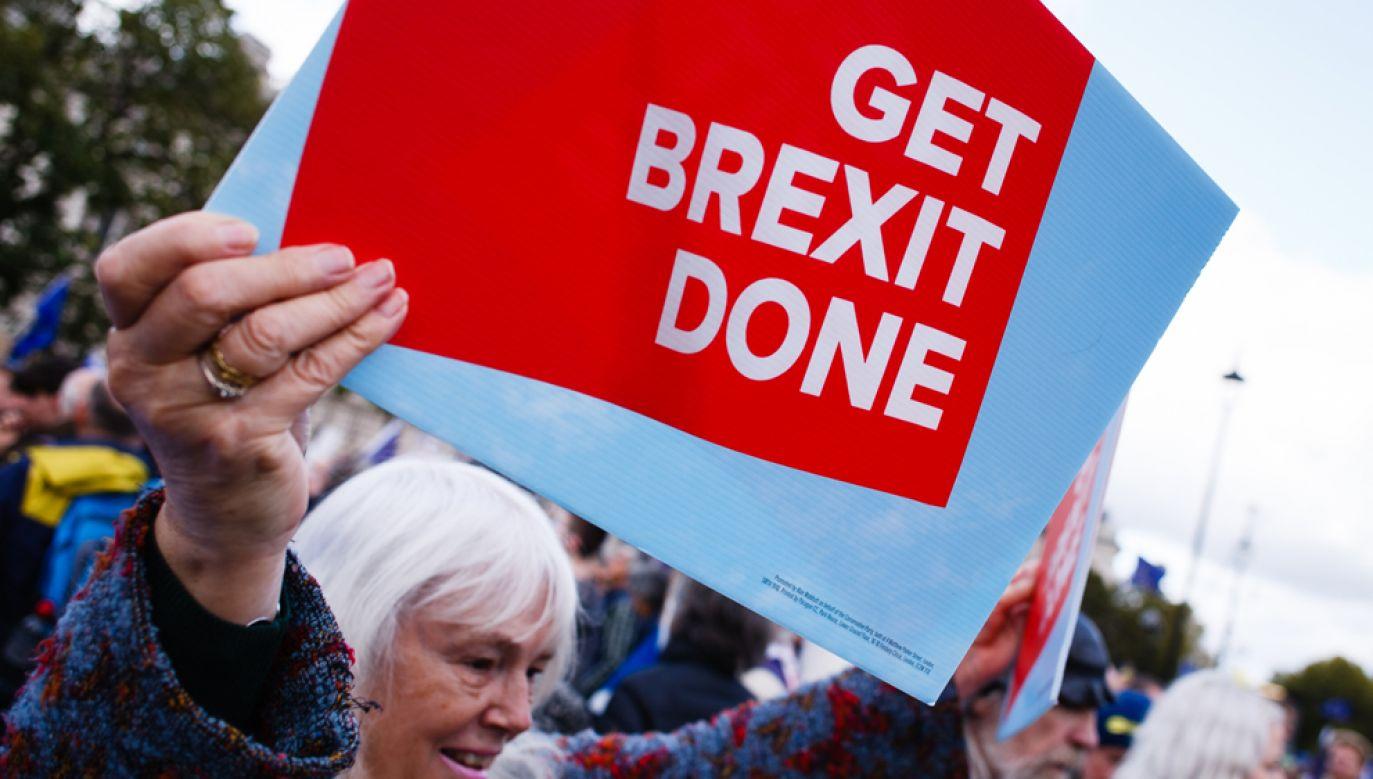 UE przesunie brexit do lutego 2020 r., jeśli premier Wielkiej Brytanii nie będzie w stanie przeforsować uzgodnionego porozumienia (fot. David Cliff/SOPA Images/LightRocket via Getty Images)