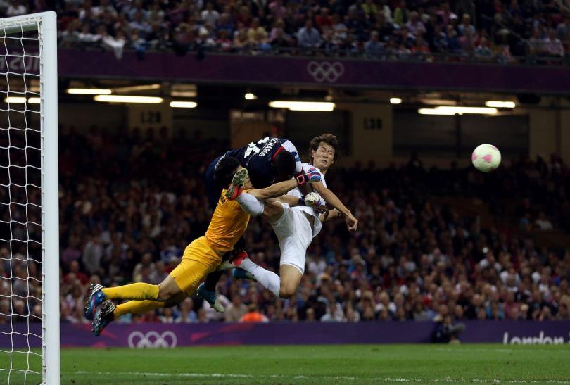 Na boisku nie brakowało twardej walki (fot. Getty Images)