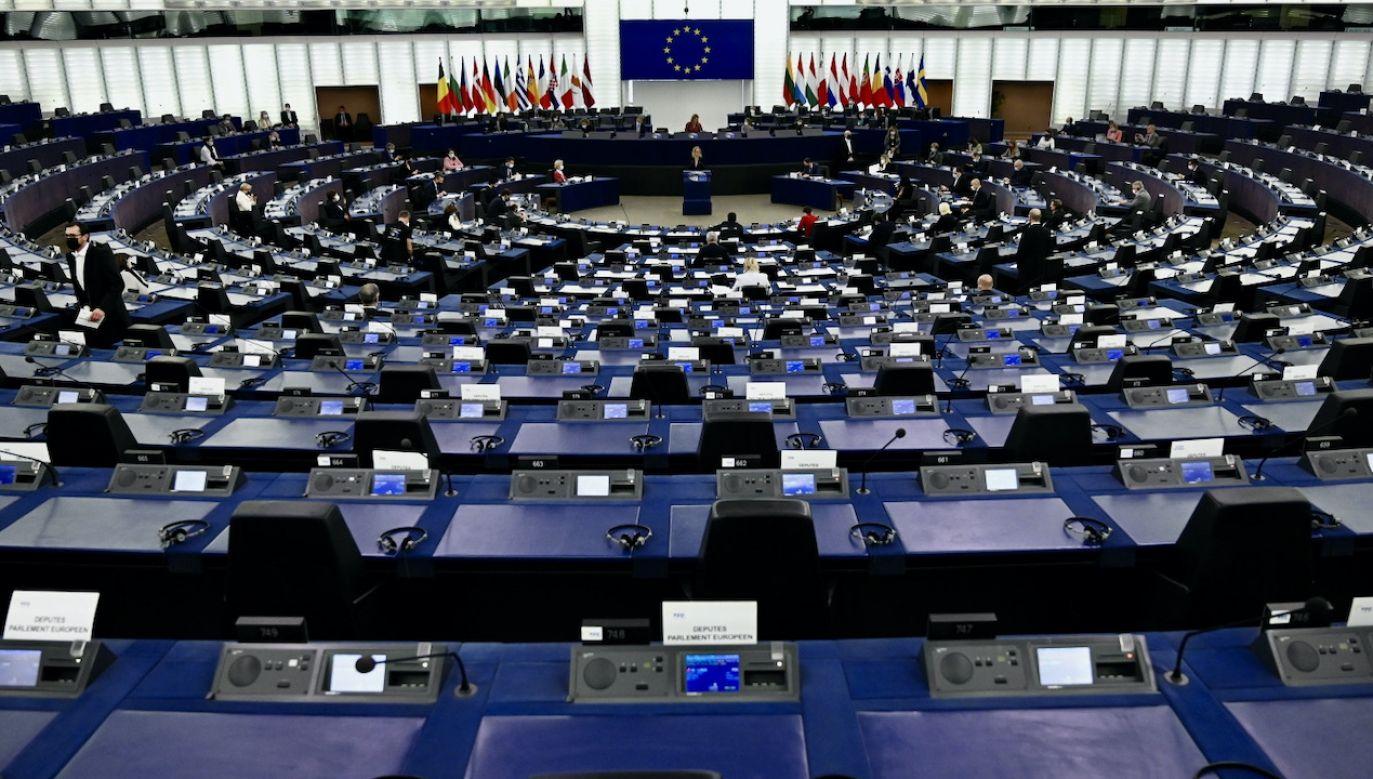 Marcin Horała przypomniał także rezolucję Parlamentu Europejskiego w sprawie aborcji w Teksasie (fot. PAP/EPA/FREDERICK FLORIN)