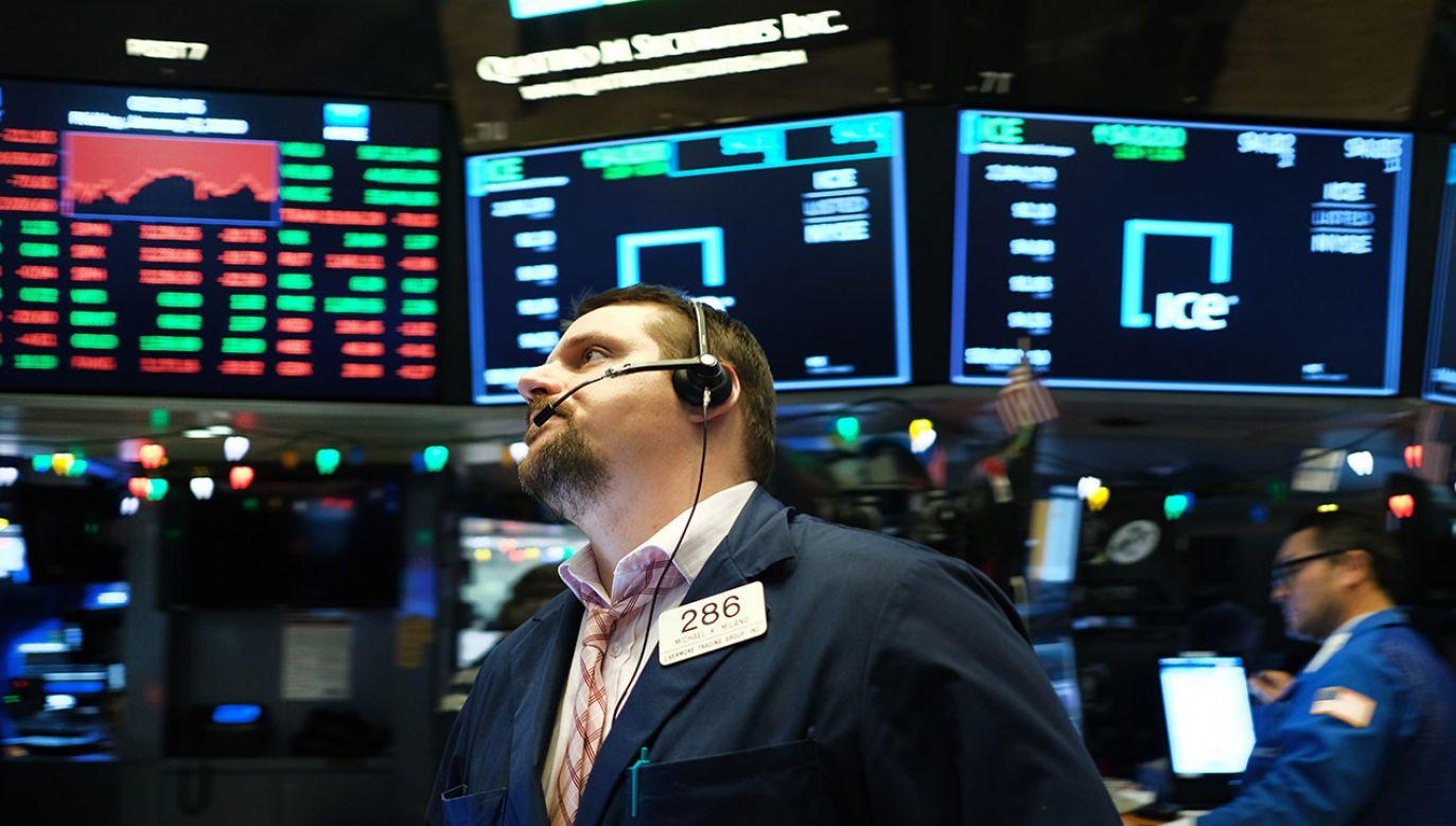 Pozytywny efekt koronawirusa to spadek cen ropy naftowej (fot. Spencer Platt/Getty Images)